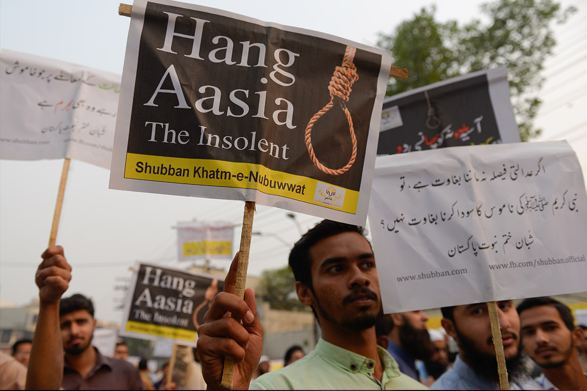 Christian persecution - protesters against Asia Bibi