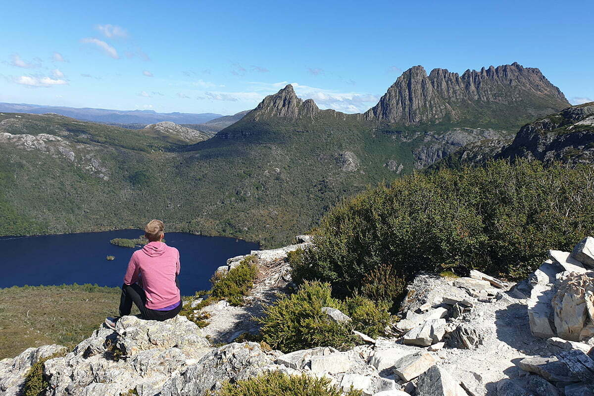 woman looking at cradle mountain